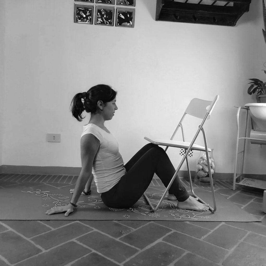 Yoga accessibile, yoga con la sedia